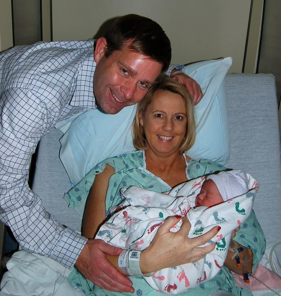 קרולין לאחר הלידה
