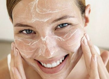 מחקרים מאשרים: זרע מעולה לעור הפנים – כך תפטרו מקמטים ובעיות עור