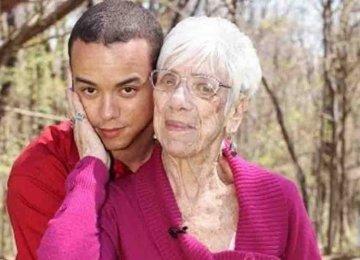 הזוי – הוא בן 31 והיא בת 91 והם פשוט בני זוג הכי מאושרים בעולם!