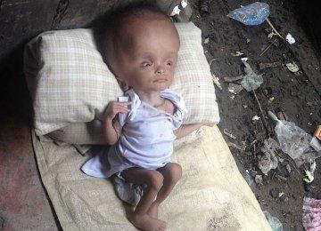 היא מוצאת תינוק נטוש בערימת אשפה. חכו עד שתראו את הפנים שלה שנתיים לאחר מכן!