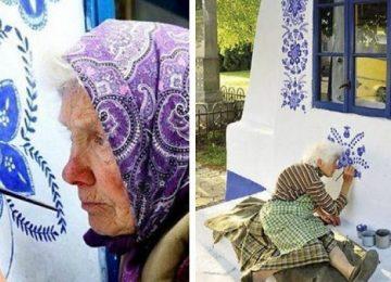 סבתא צ'כית בת 90 – מעבירה את זמנה בציור פרחים על ביתה בכפר קטן