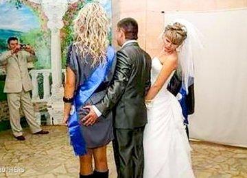 24 מקרים לא צפויים שהצלמים תפסו בחתונה וזה פשוט מצחיק!