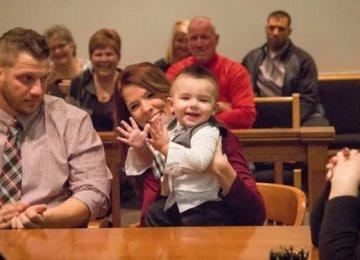 באמצע המשפט, התינוק היפהפה הזה צועק מילה אחת שהדהימה את כולם ובשביל השופט זה כל מה שהוא היה צריך לשמוע כדי לקבל את ההחלטה הגורלית