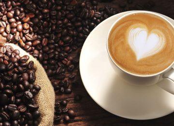 שותים קפה כל בבוקר על קיבה ריקה? אתם חייבים לקרוא את זה