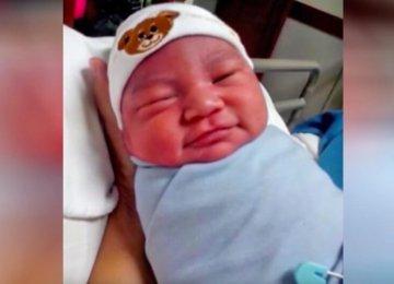 אמא מביטה בפניו של תינוק ויודעת שהוא לא שלה, לאחר בדיקת DNA היא הבינה הכל